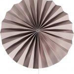 abanico de papel gris