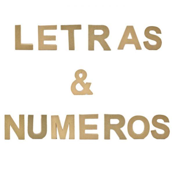Letras y números de cartón de 18cm -