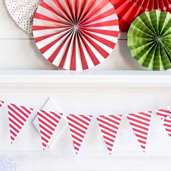 Guirnalda de banderines de papel en rayas rojas y blancas de 275cm - Decoración Navidad